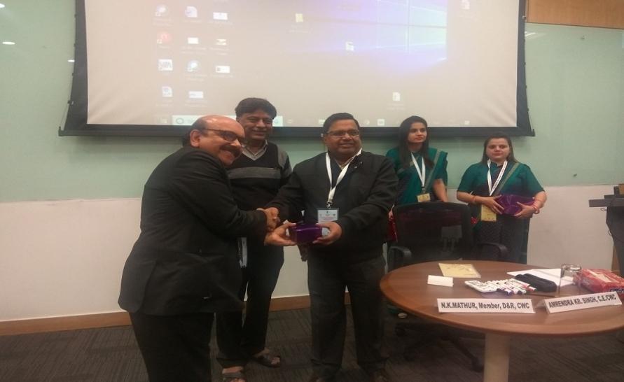 Shri R.K. Jain, CE, NWDA with Shri A.K. Singh, CE, CWC