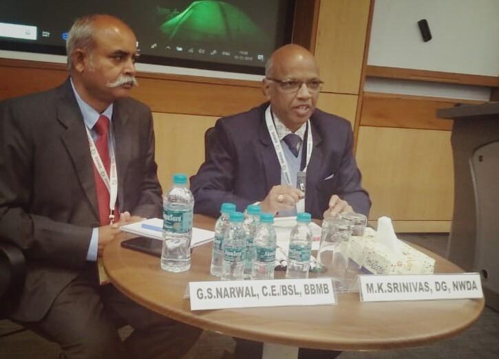 Shri M.K. Srinivas, DG, NWDA chairing a technical session in the conference