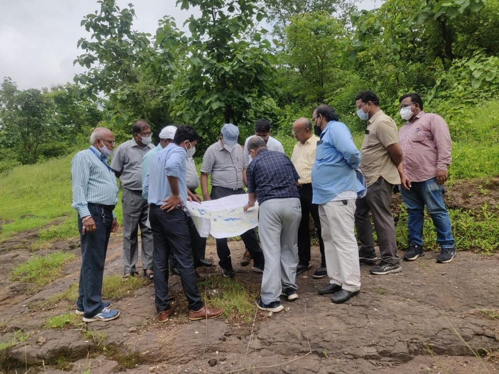 Visit DVG link site with Secretary WRD photo 1